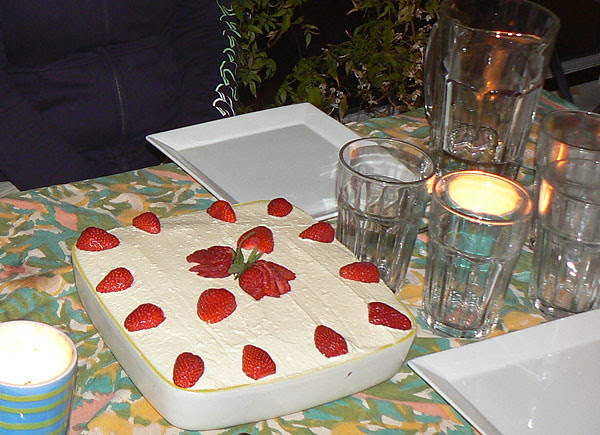 tiramisu fraises et nectarines.jpg