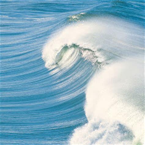 wallpaper foto ombak lautan  dahsyat