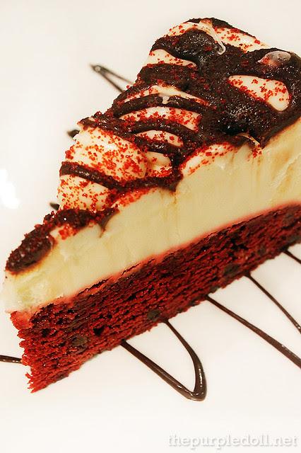 Red Velvet Cheesecake P395