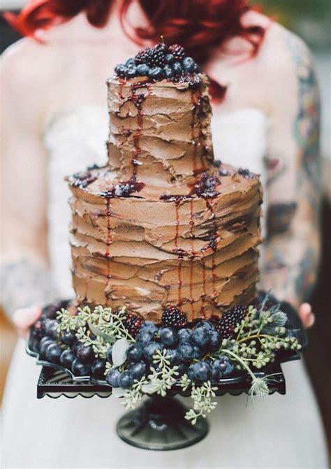 Chocolate Weddings Cakes For Fall/Winter Weddings   Arabia