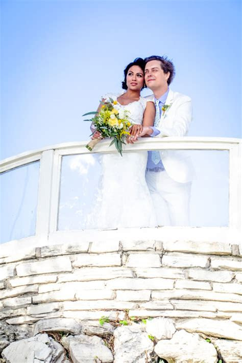 Actress Karen David talks about her wedding day   HELLO!