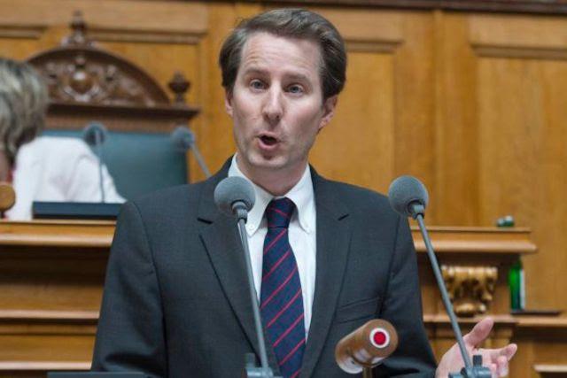 Senkrechtstarter der SVP und Kronfavorit für die Bundesratswahl im Dezember: Thomas Aeschi.