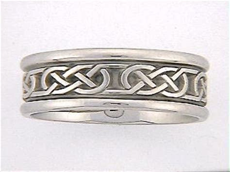 Celtic Wedding Rings   Celtic Rings   SB Medium Love Knot