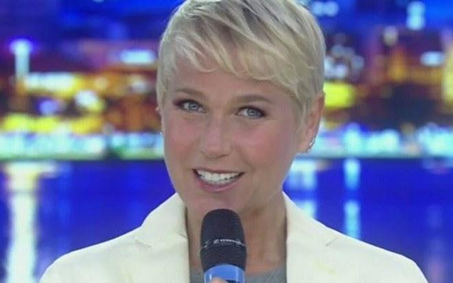 Xuxa em seu programa na Record: funcionários estão sendo recontratados por produtora - Fotos Reprodução/TV Record