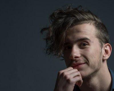 Uomini moda e tendenze capelli su ADVERSUS