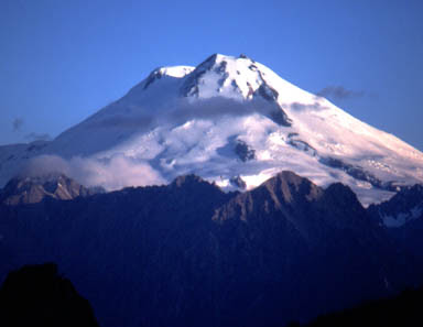 http://www.climb.mountains.com/Photo_Gallery_files/Continent_files/Elbrus.jpg