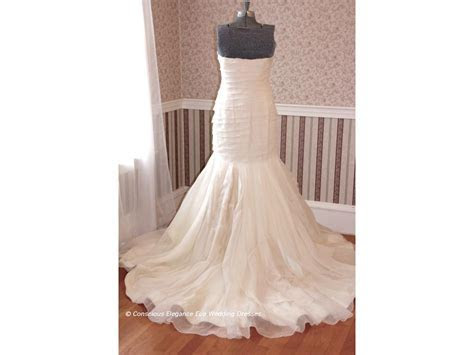 Vera Wang $1,300 Size: 10   Sample Wedding Dresses