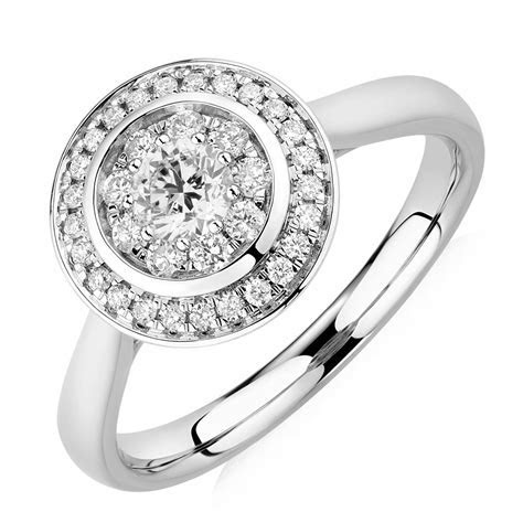Engagement Ring with 1/2 Carat TW of Diamonds in 10kt