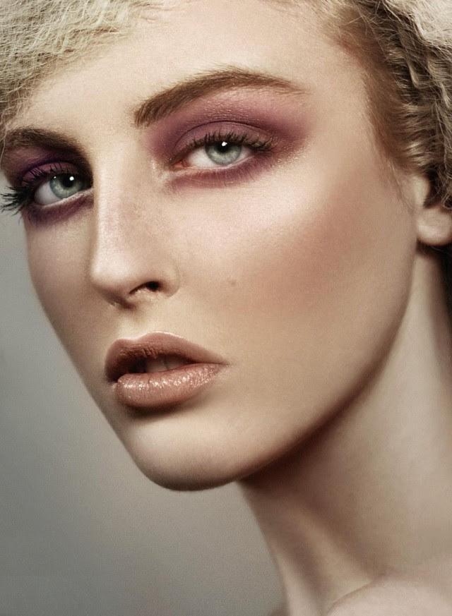 smokey_eye_make_up_by_cattheo-d4170h9