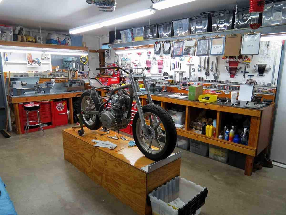 Home workshop design home design jobs for Garage auto express carignan