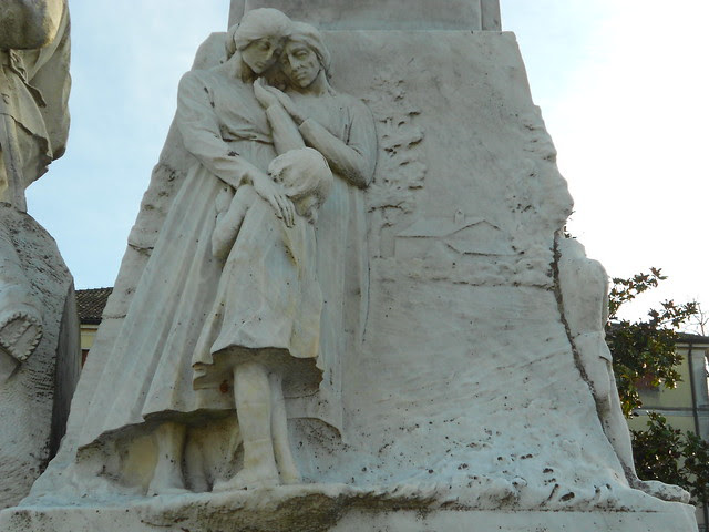 Stanghella, monumento 15-18, Virgilio Milani, lato destro