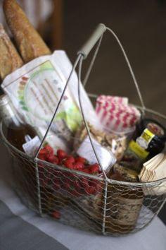 Great picnic basket.