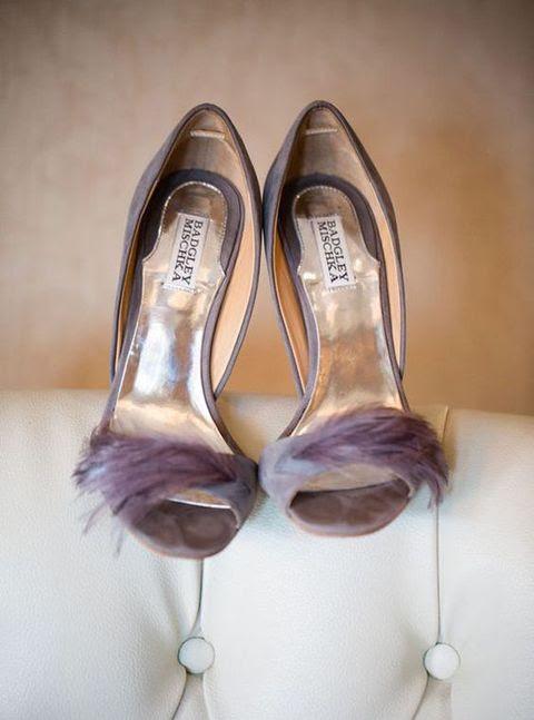 Grau-Lavendel Hochzeit Schuhe mit Federn von Badgley Mischka