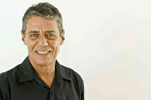 Chico Buarque E A Revolução Dos Cravos