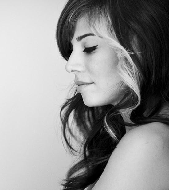 Christina-Perri-photo-shoot-christina-perri-21903031-550-618.jpg (550×618)