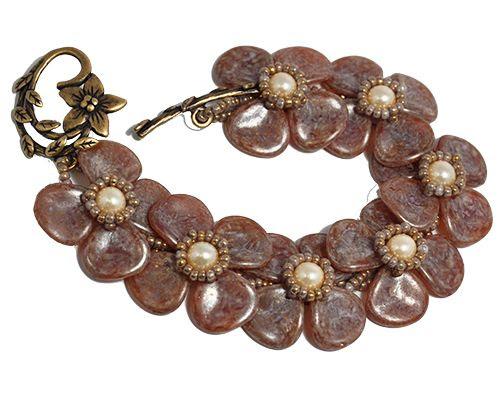 Elizabethan Petal   Bead Index > Patterns