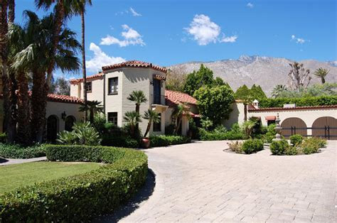 House Party: The Ultimate Palms Springs Wedding Venues