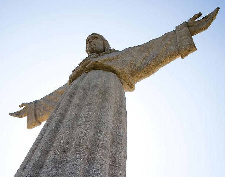Archivo:CristoreiPortugal.jpg