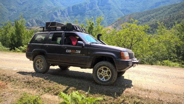5 Reasons You Need a Car Cover for Your Next Trip
