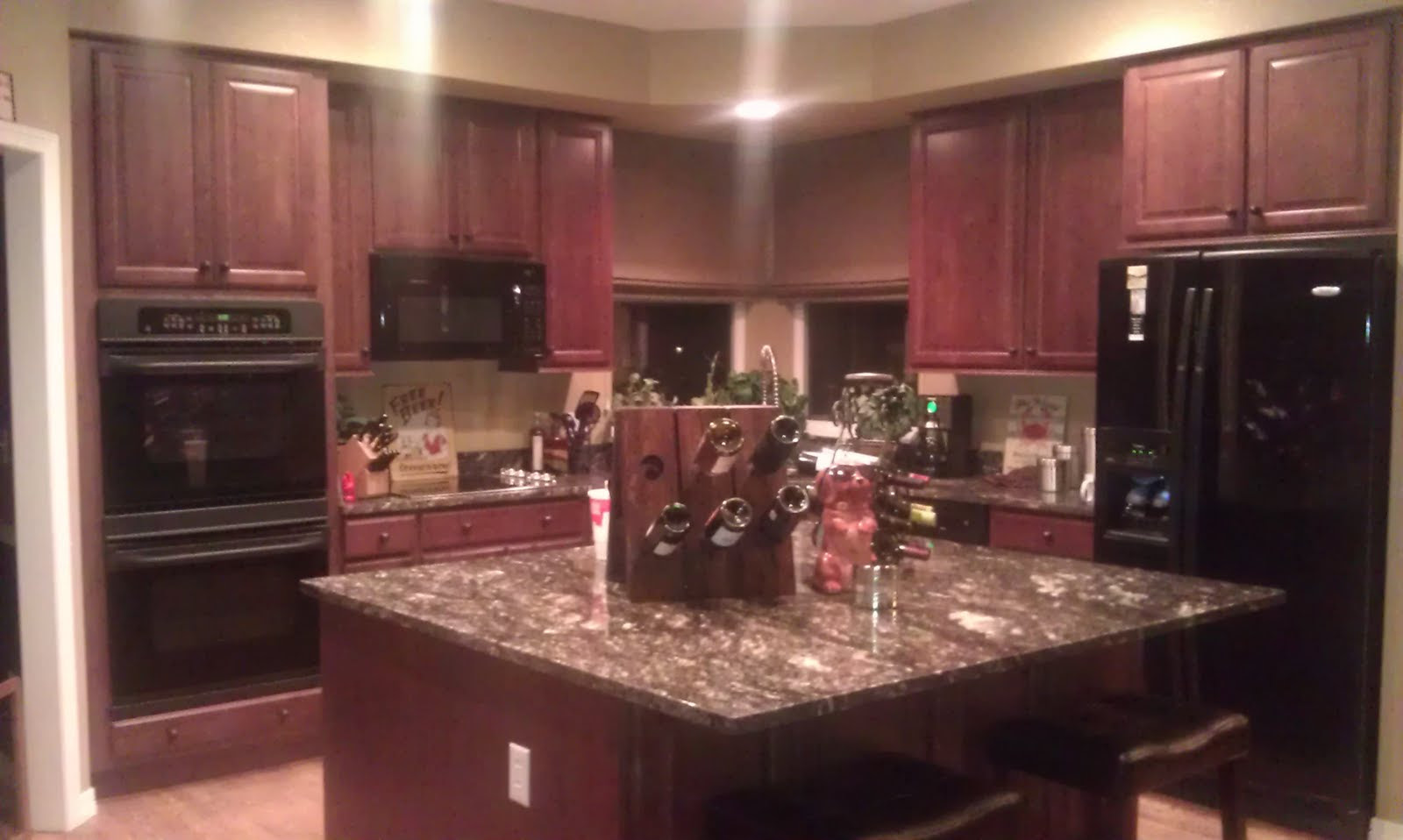 Creating a Stylish Kitchen Look Using Kitchen Pain Colors ...