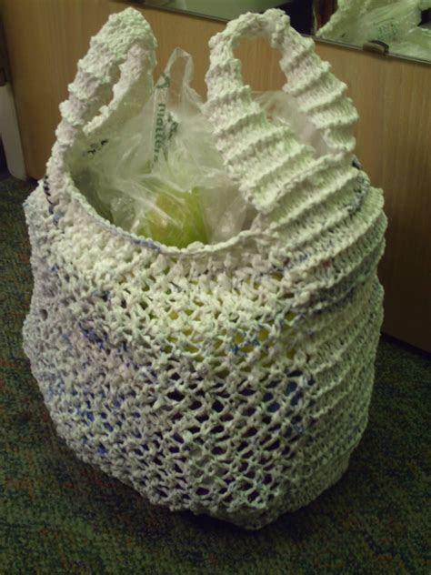 taschen aus plastiktueten haekeln