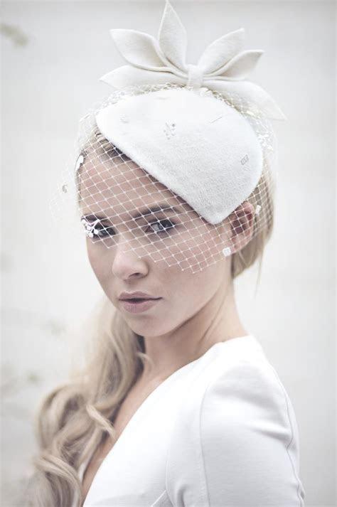 128 best Fascinators 2017 images on Pinterest   Hang hats