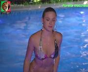 Fiorella Mattheis sensual em biquini na novela Fina Estampa