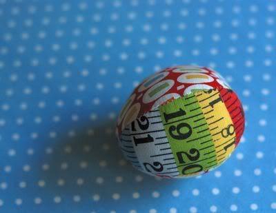 Retro Mama: fabric Easter egg tutorial