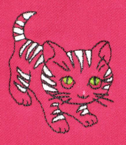 kitty bib detail
