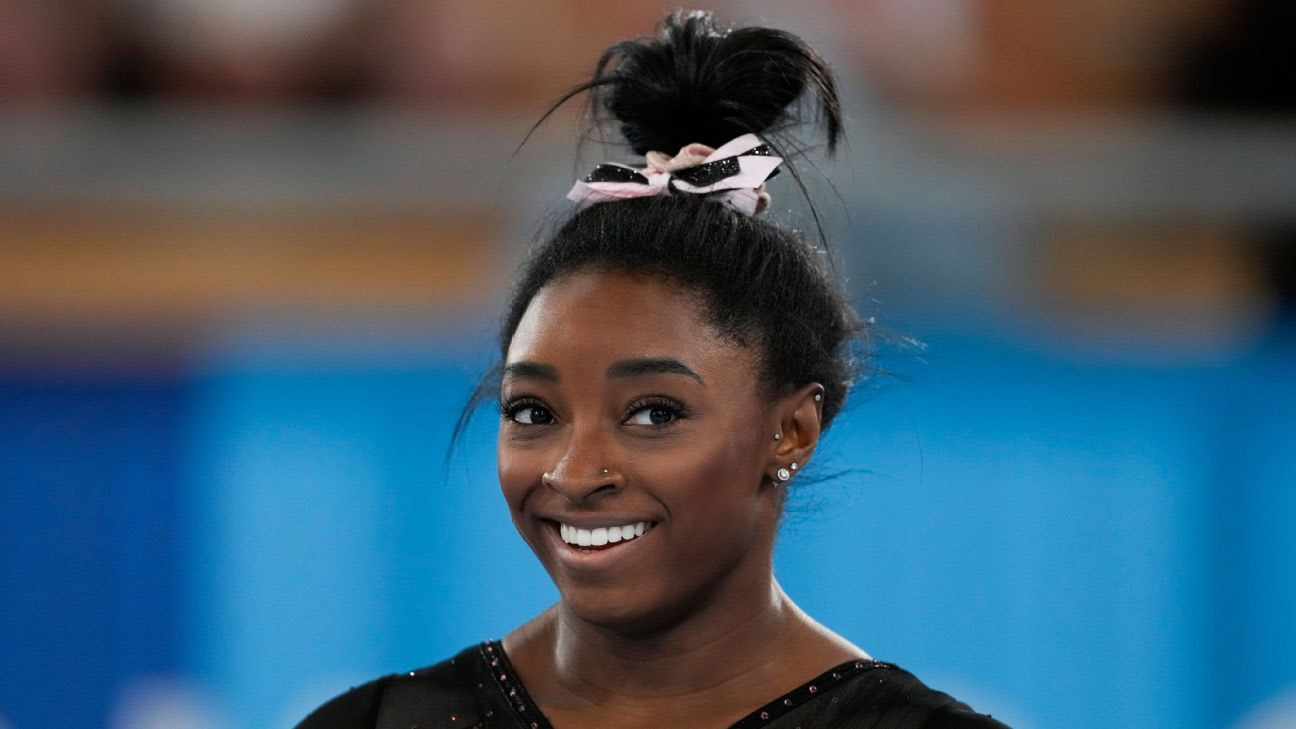 Simone Biles throws her best Yurchenko double pike yet in Olympic podium training