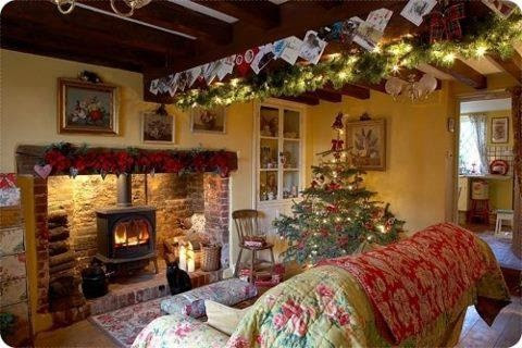 Christmas cottageso cozy..  Christmas  Pinterest