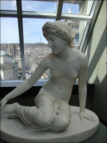 Musée des beaux-arts statue