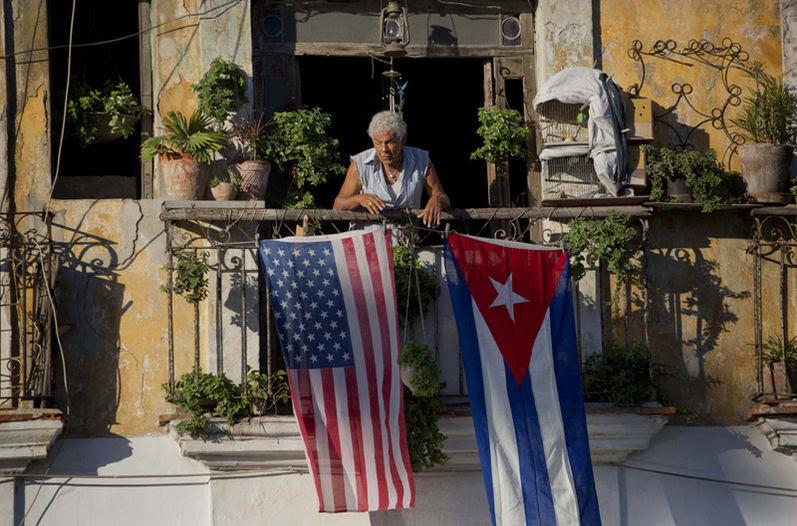 banderas-EEUU-Cuba-Habana