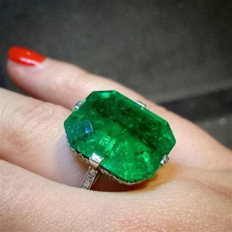 Best 20  Emerald stone price ideas on Pinterest   Emerald
