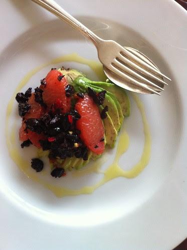grapfruit, avocado, kalamata olives, and olive oil