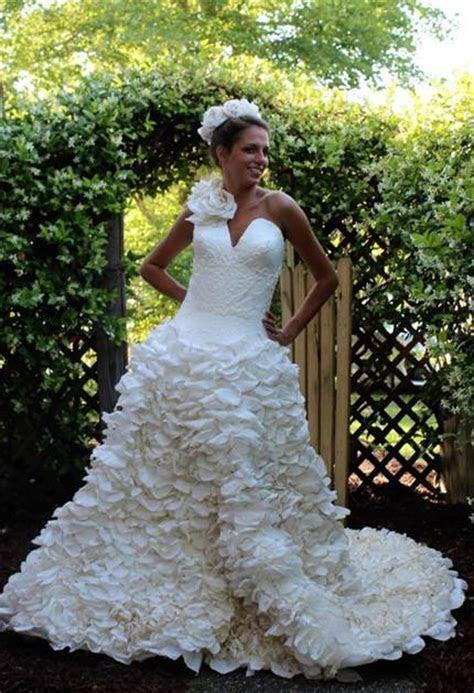 Toilet Paper Wedding Dress Winners of 2015   Best DIY