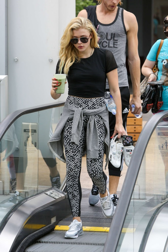 Chloe Moretz: Leaving Earthbar -08
