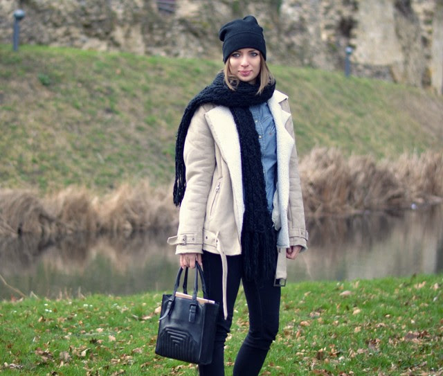 nelly bad hair day hat h&m shearling jacket acne velo cite inspired look a like zara denim jeans shirt zara trf skinny black jeans nike dunk sky high mesh white wedge sneakers outfit post fashion blogger turn it inside out belgium moated castle pietersheim lanaken