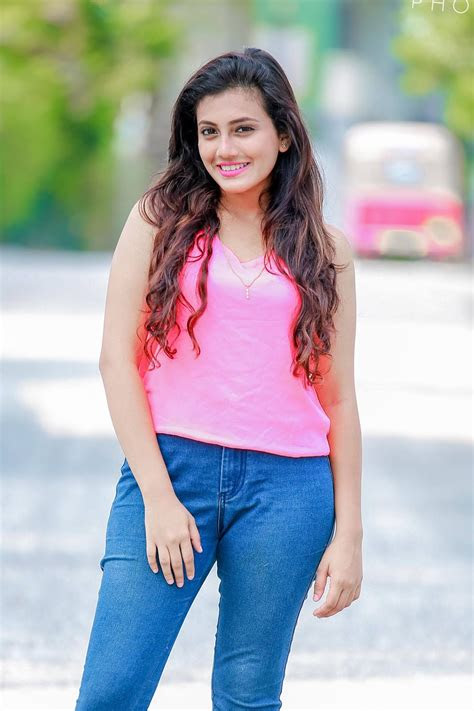 actress models shanudrie priyasad sri lankan