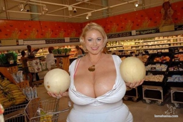 Extremely huge breasts - Pictures nr 3