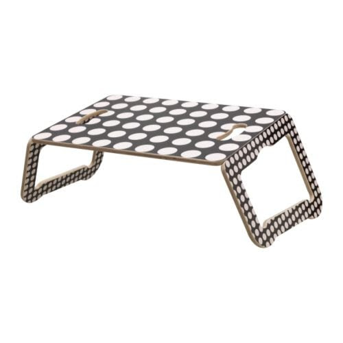 BRÄDA Sylitaso IKEA Tilan säästämiseksi taso voidaan taittaa kokoon ja ripustaa seinälle.