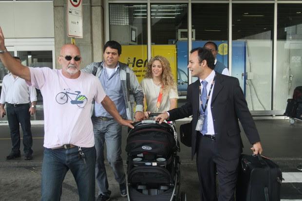 Shakira chega ao Brasil (Foto: Marcello Sá Barretto/ Ag. News)