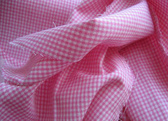 pink fabrick for the girl's dress :: rosa stoff til rosa pikekjole