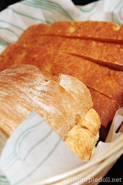 Italianni's Complimentary Bread