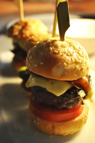 mini wagyu burgers