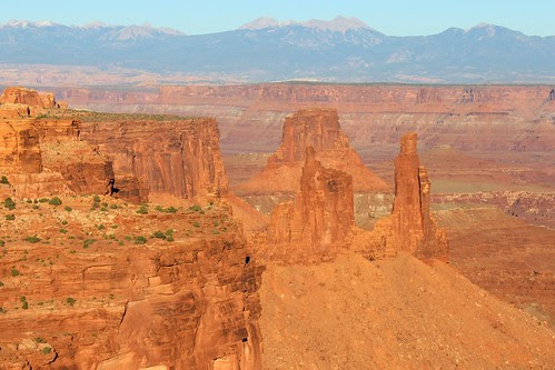 IMG_2443a_View_from_Mesa_Arch_Overlook