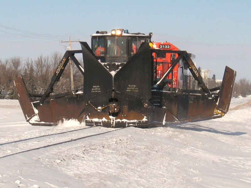CN 50938 Jordan spreader. Photo by Jeff Keddy
