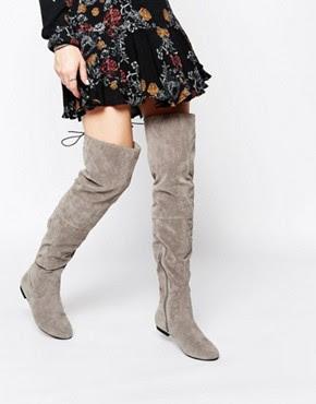 Botas planas grises por encima de la rodilla anudadas en la parte posterior de Daisy Street