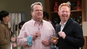 Modern Family Season 9 : Spanks for the Memories
