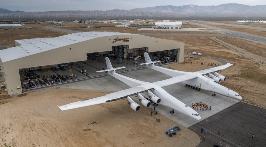 http://spacenews.com/wp-content/uploads/2017/05/stratolaunch-rollout.jpg